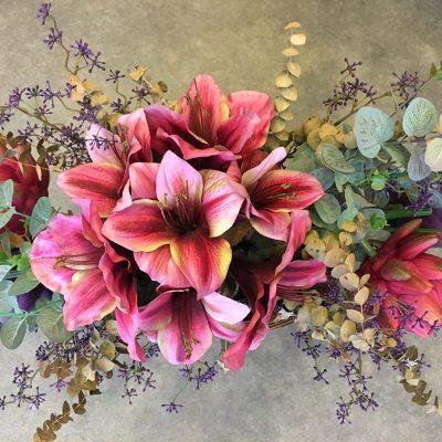 Dekorácia z umelých a sušených kvetov