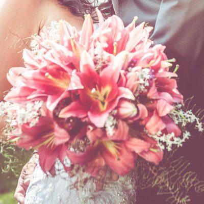 Svadobná kytica z kráľovských ľalii