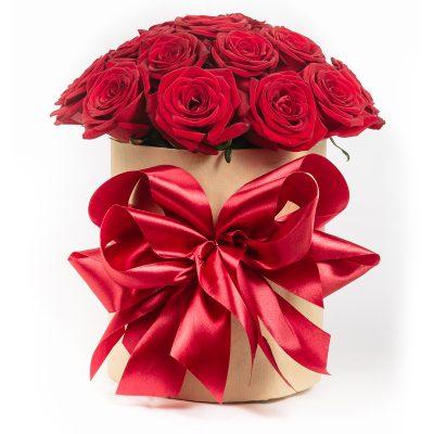 Kvetinový box s červenými ružami